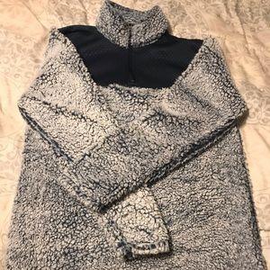 Boy friend zip pull over fleece never worn